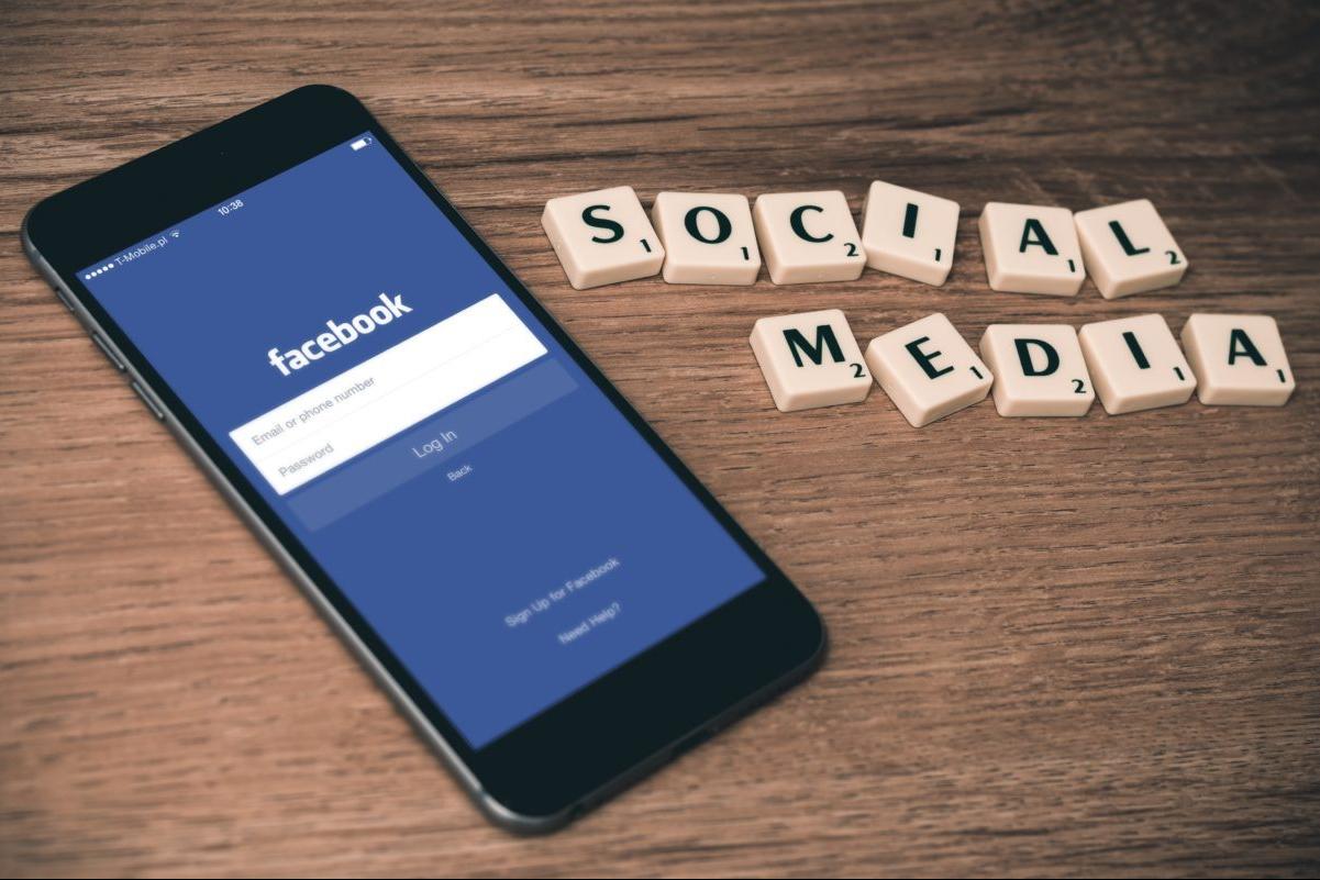 social-media-declutter-ecoisanewblack