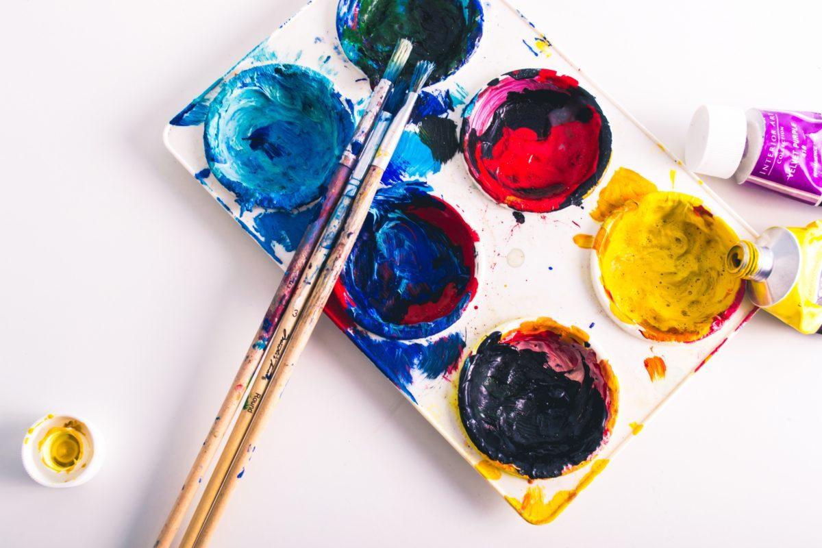 declutter-paints-ecoisanewblack